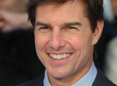 cuanto mide tom cruise