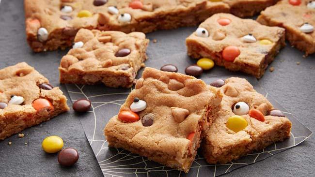 galletas de bizcocho con ojos