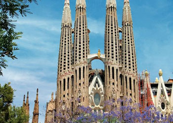 cuantos habitantes tiene barcelona